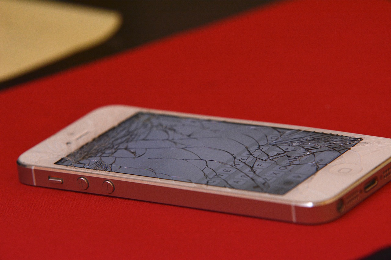 iPhone Glass Cracked
